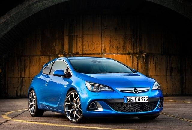 Opel Astra OPC 2013