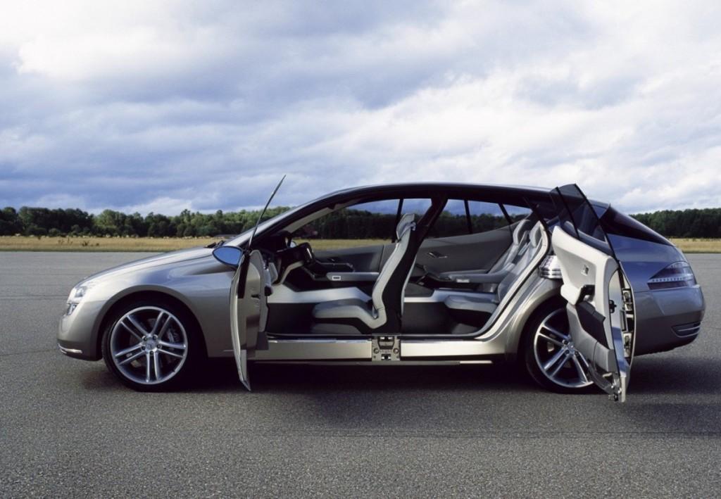 Luxury Mercedes-Benz F500 Mini Office Concept Car