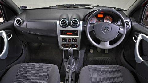 Np200_Interior