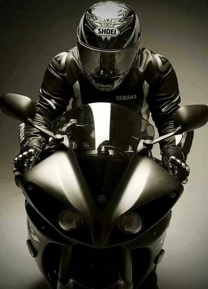 Yamaha-motorcycle-driver-front-view