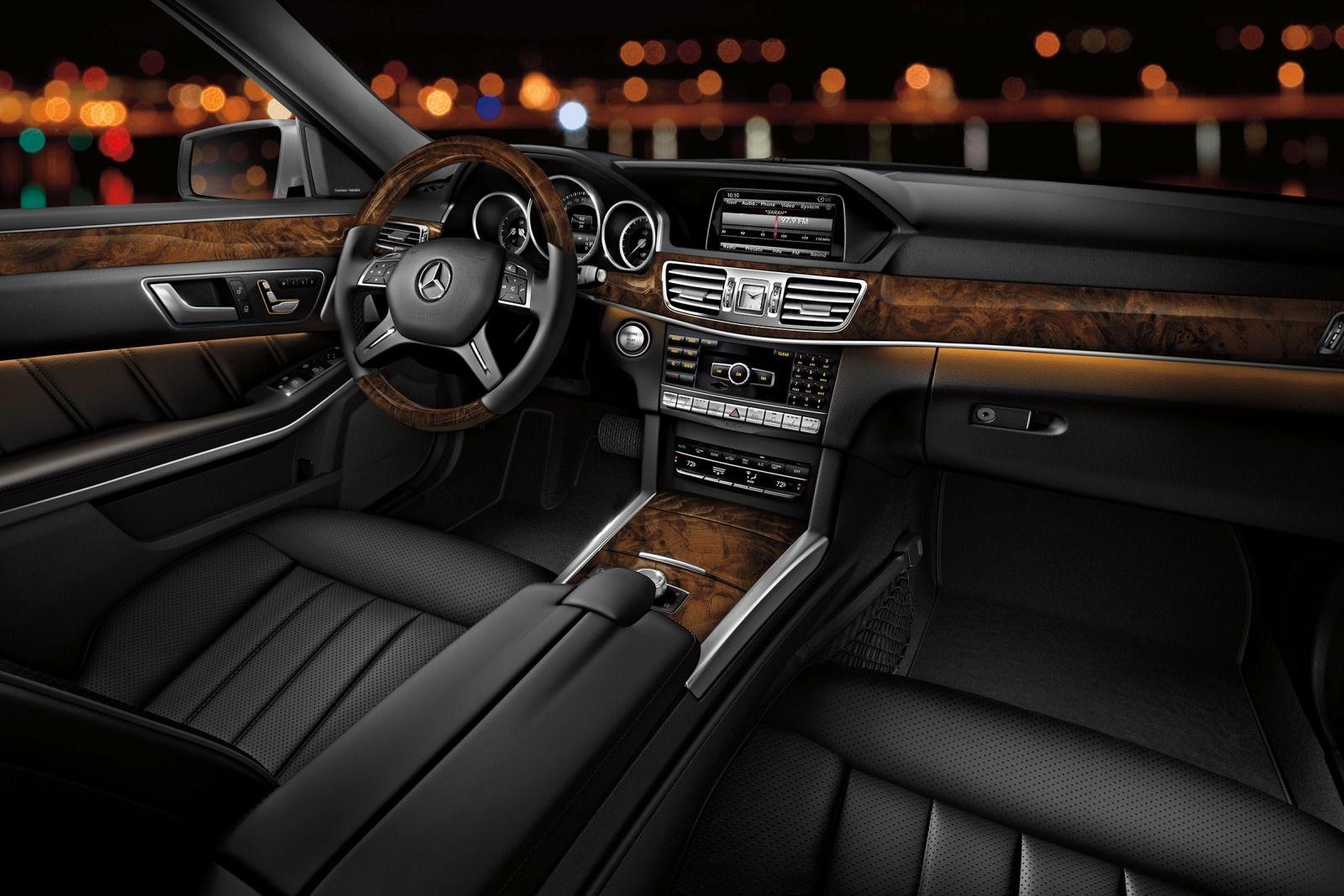 Mercedes-Sedan-Interior