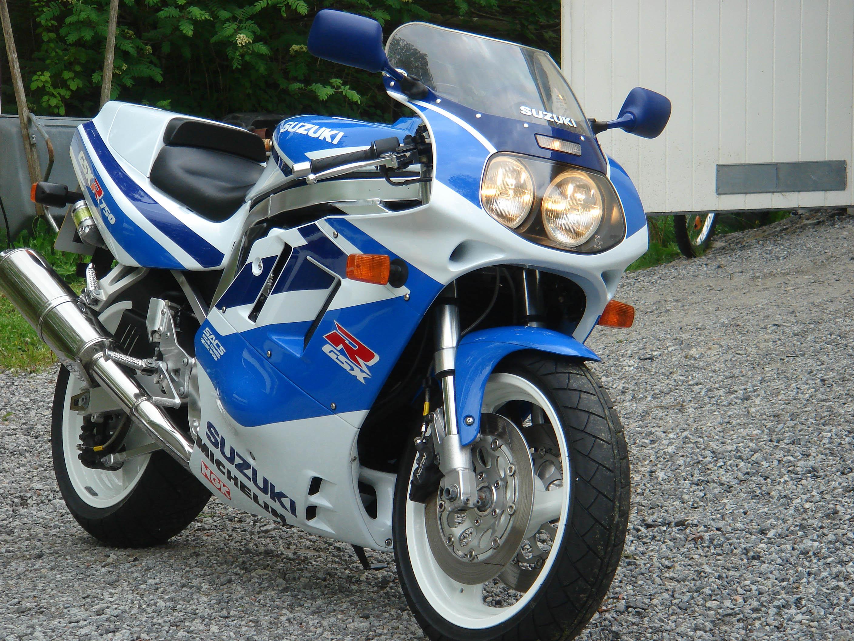 1991-the-Suzuki-GSXR-750