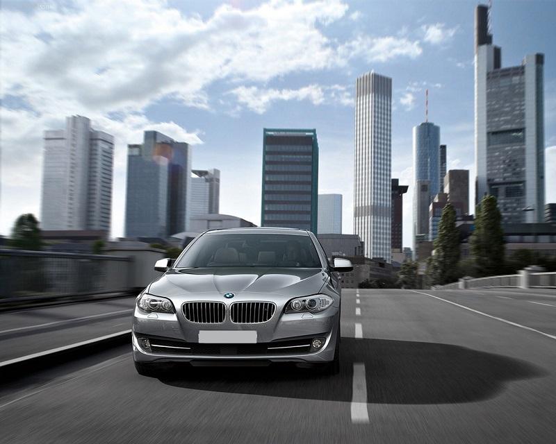 2011_BMW_5-Series