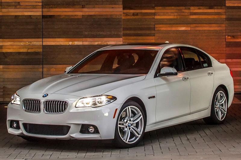 2015_BMW_5_Series_Sedan