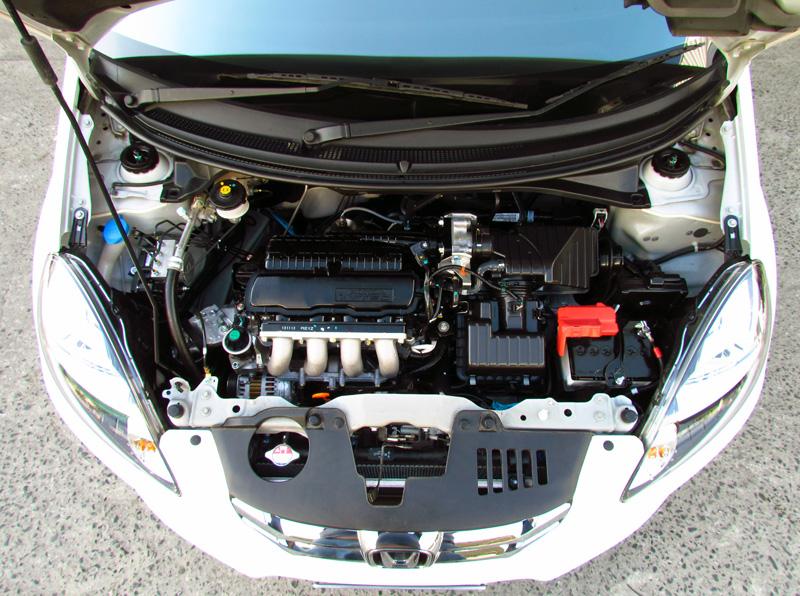 Honda-Brio-engine