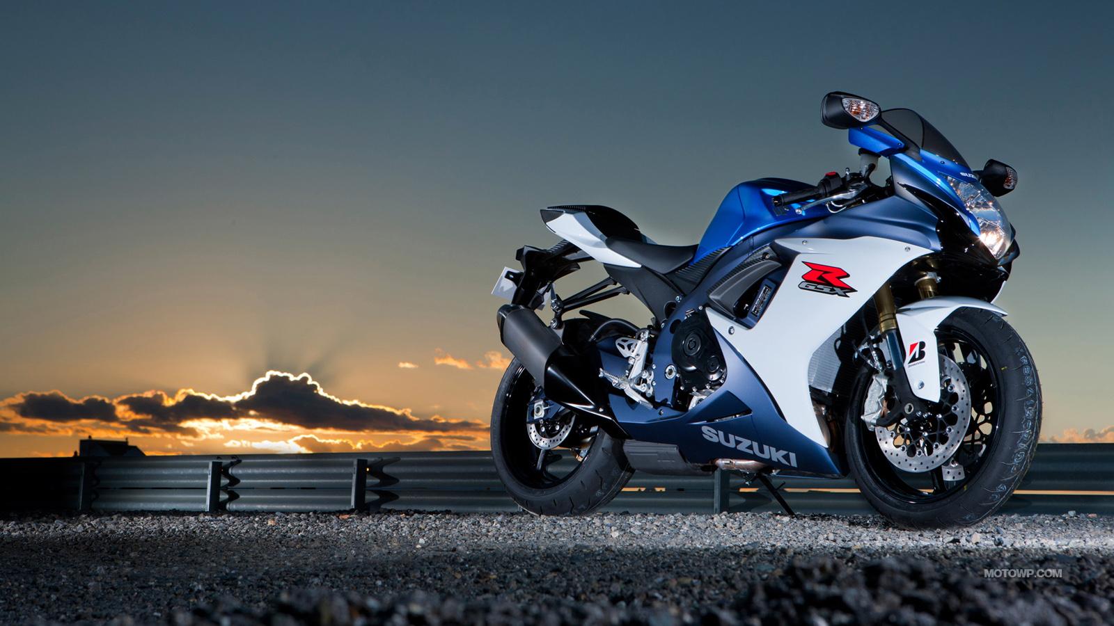 Suzuki-GSX-R750-2011-1600x900-006