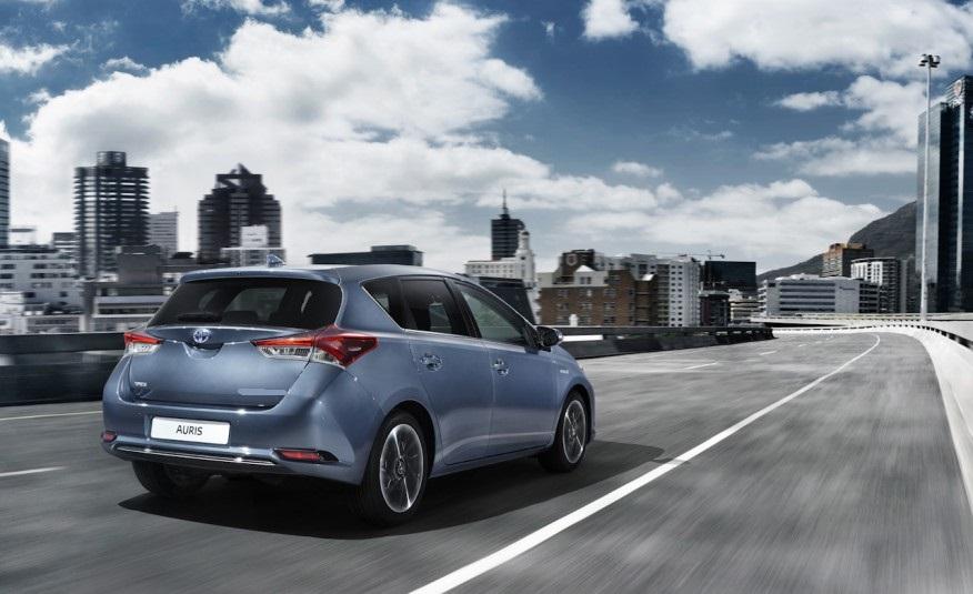 2015-Toyota-Auris-for-sale