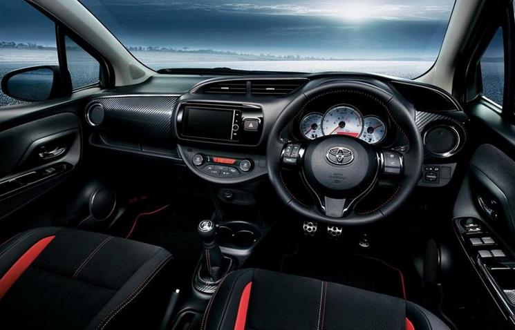 2015-Toyota-Yaris-interior