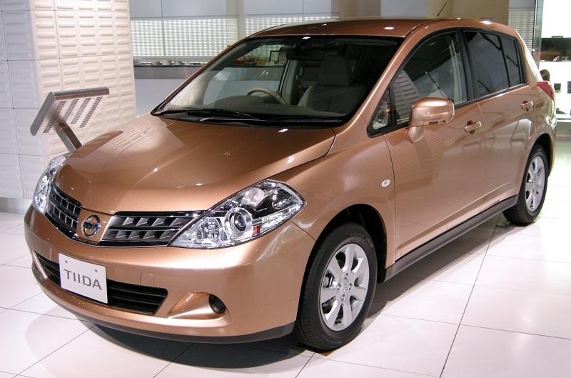 Nissan-Tiida-2008