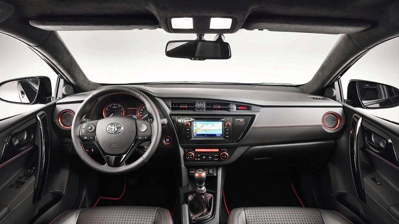 Toyota-Auris-Interior