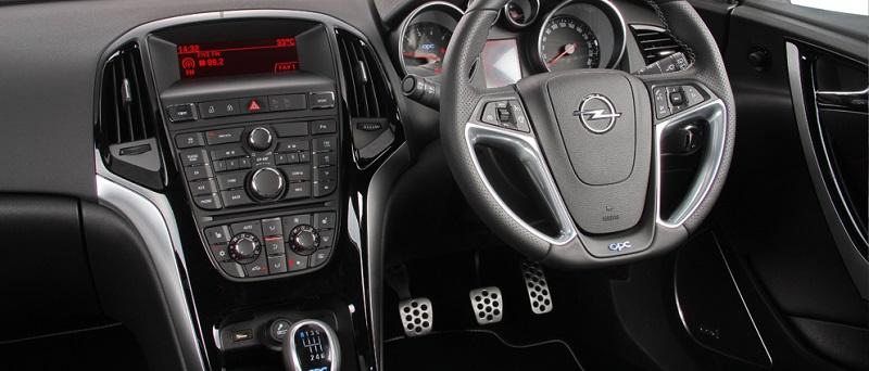 Astra-Opc-interior