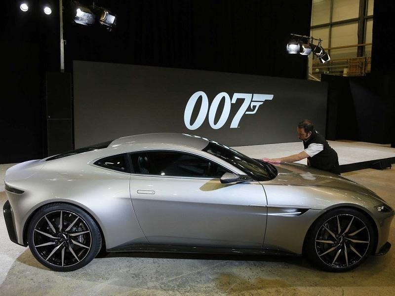 James-Bond-Aston-Martin