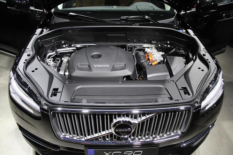 2015-volvo-xc90-engine