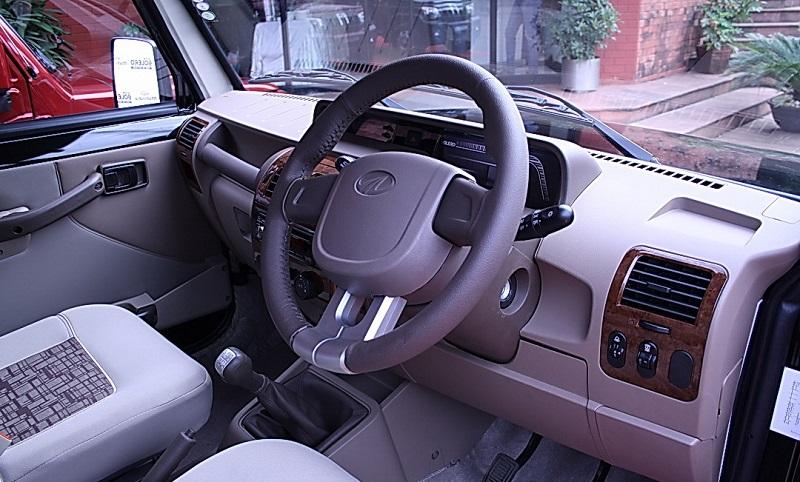 Mahindra-Bolero-interior