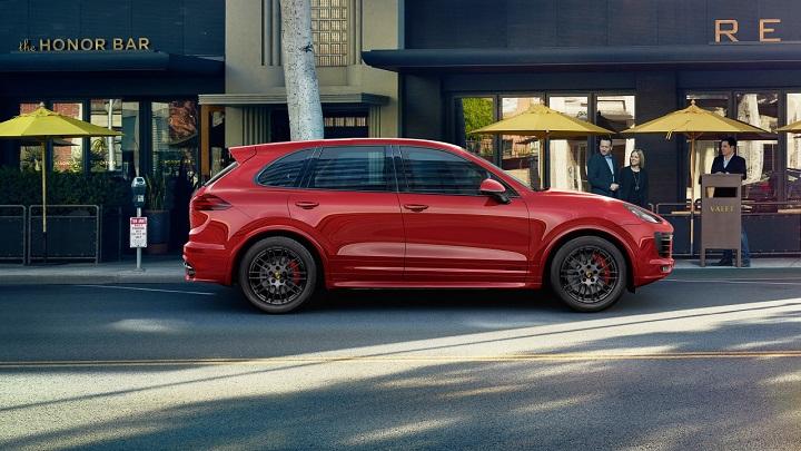 Porsche-Cayenne-2015-red