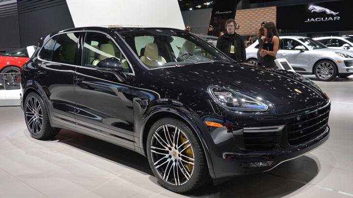 Porsche-Cayenne-2015-sgowroom