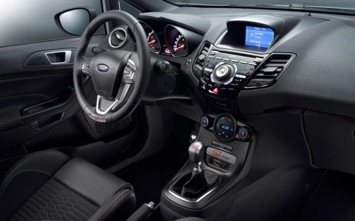 Ford Fiesta ST200 interior