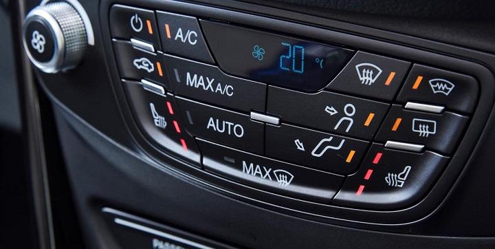 b-max ford centre console