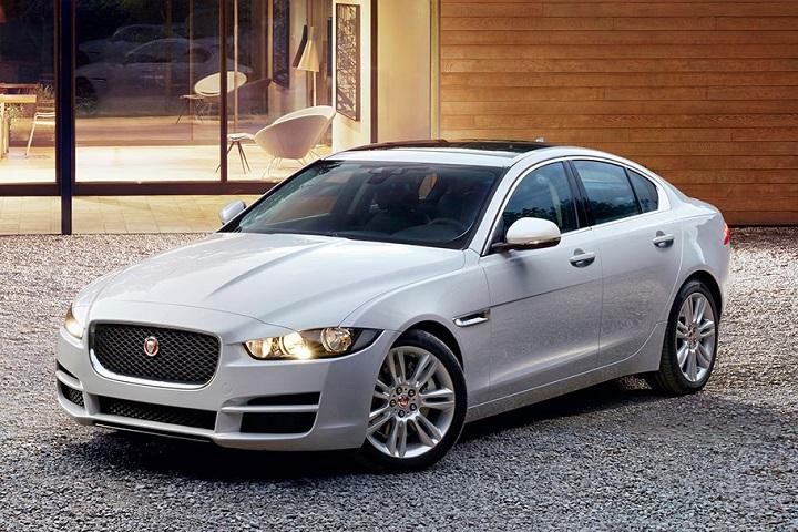 the jaguar xe pure edition