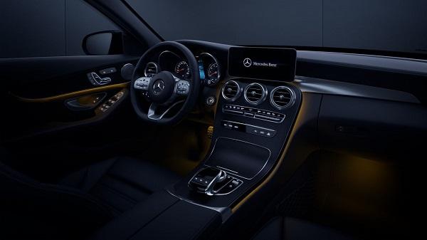 Mercedes-Benz C-Class interior tech