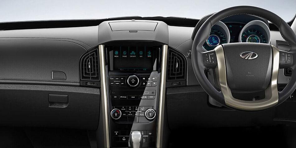 Mahindra XUV500 Interior | Auto Mart