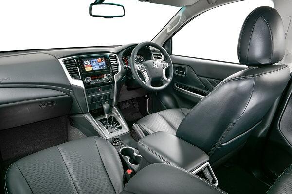 Mitsubishi Triton - Interior