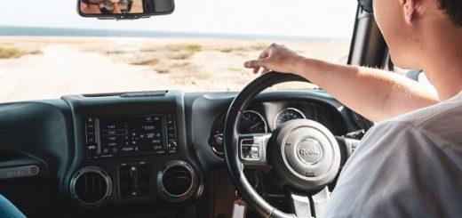 Correct driving posture | Auto Mart